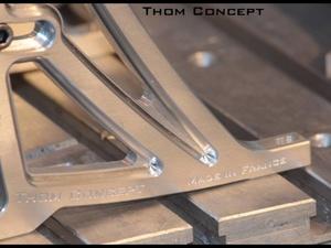 Un support moteur pour volant MIGE chez Thom Concept
