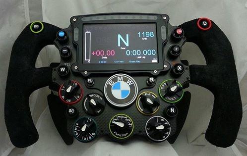 La dernière création de Leopoldo Ramirez, un volant F1 BMW