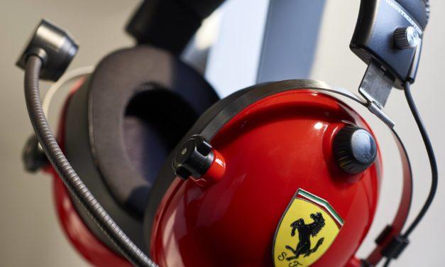 Un nouveau casque chez Thrustmaster : Le T.Racing Scuderia Ferrari Edition